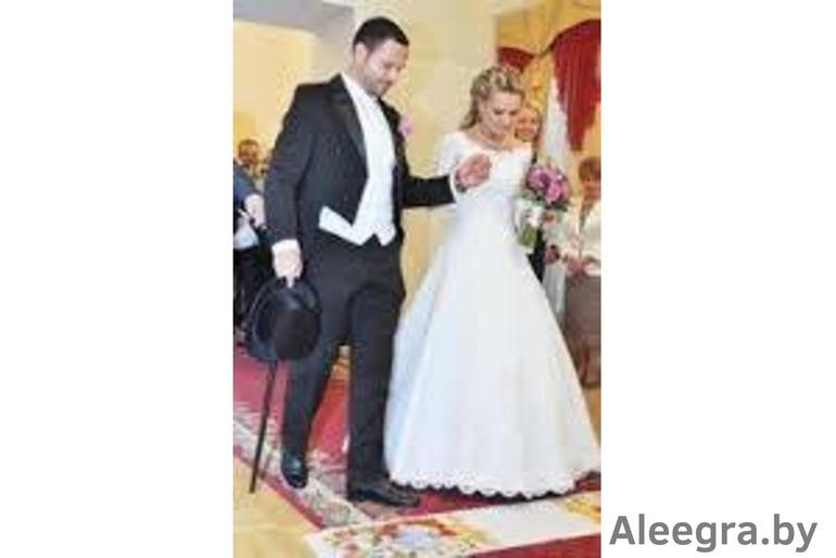 Недорого свадебные платья,вечерние наряды,сценические костюмы