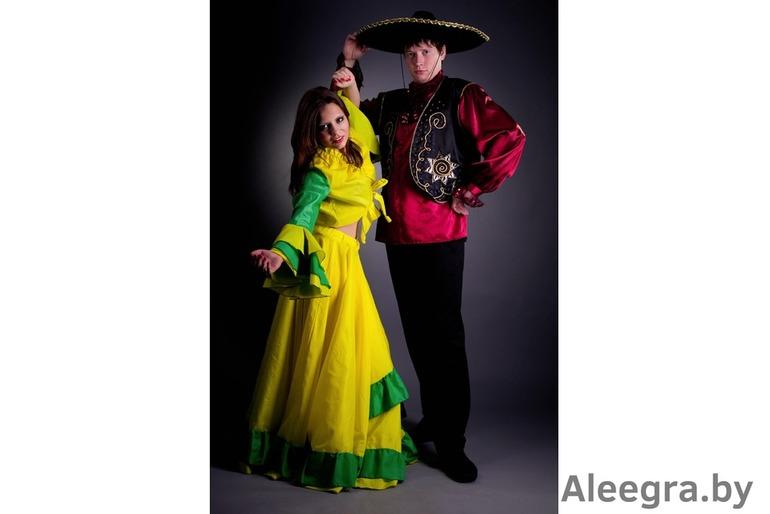 Школьная советская форма,цыганские наряды и др сценические костюмы