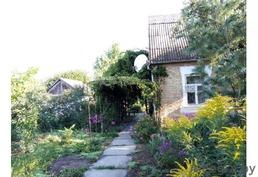 Дом с садом  за 40 000 долл до Киева – около 40 км